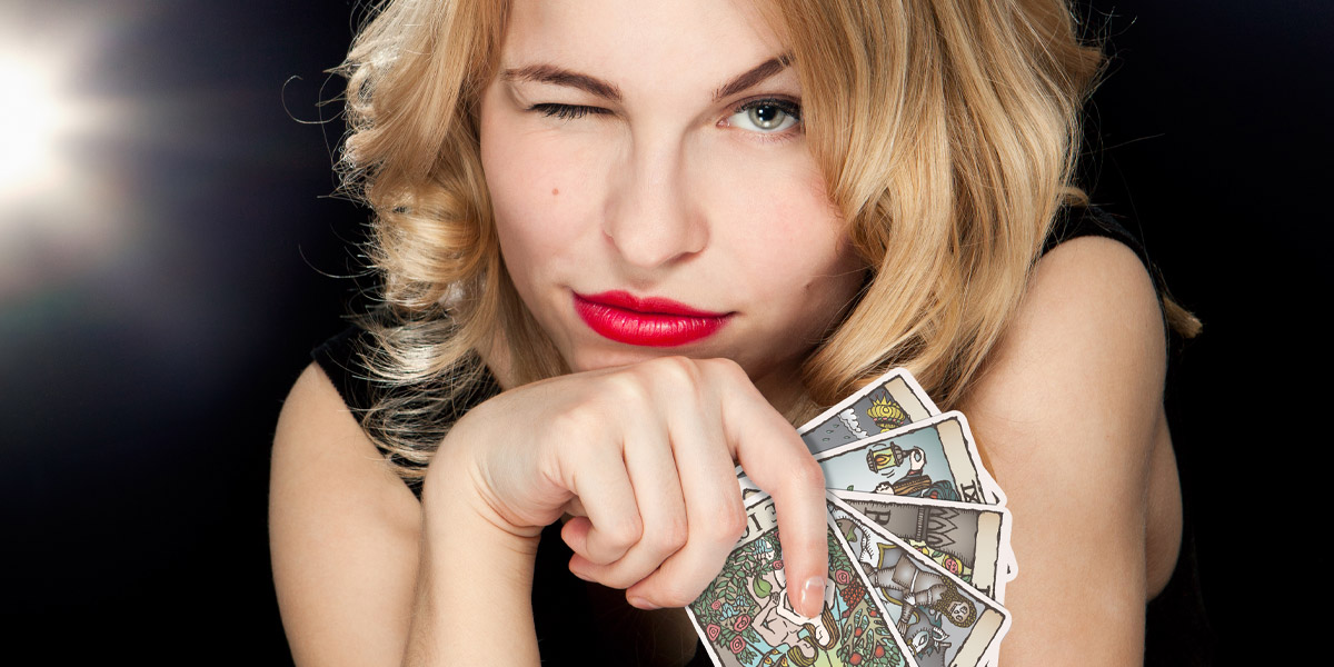 What is the Difference Between a Psychic and a Tarot Card Reader?